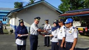 Pemberian Reward Tingkat Kedisiplinan PNS Dishub Kominfo Kabupaten Lima Puluh Kota
