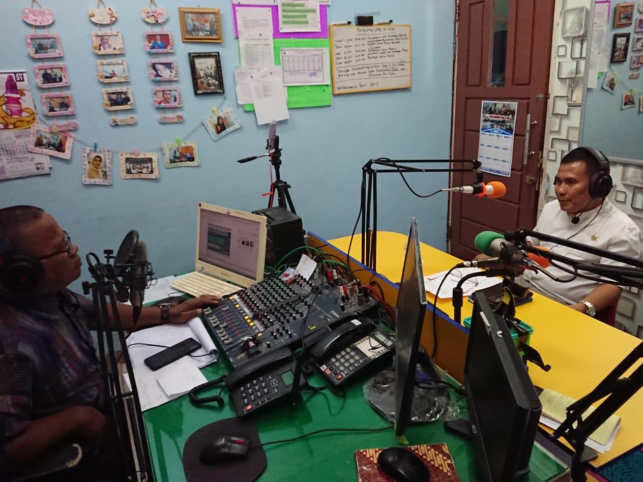 Dinas Komunikasi dan Informatika Kabupaten Lima Puluh Kota Laksanakan Talkshow/ Dialog Interaktif dengan narasumber Dinas Penanaman Modal Pelayanan Terpadu Satu Pintu (DPMPTSP)
