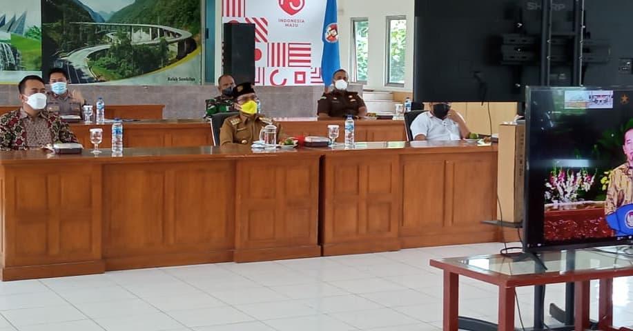 Bupati Lima Puluh Kota, Safaruddin Dt. Bandaro Rajo Ikuti Rapat Koordinasi Kepala Daerah Selurub Indonesi Secara Virtual