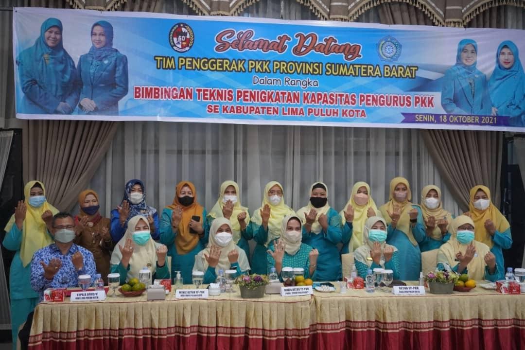 TP-PKK Kabupaten Lima Puluh Kota bersama TP-PKK Provinsi Sumatera Barat Laksanakan Bimbingan Teknis Peningkatan Kapasitas Pengurus PKK se Kabupaten Lima Puluh Kota