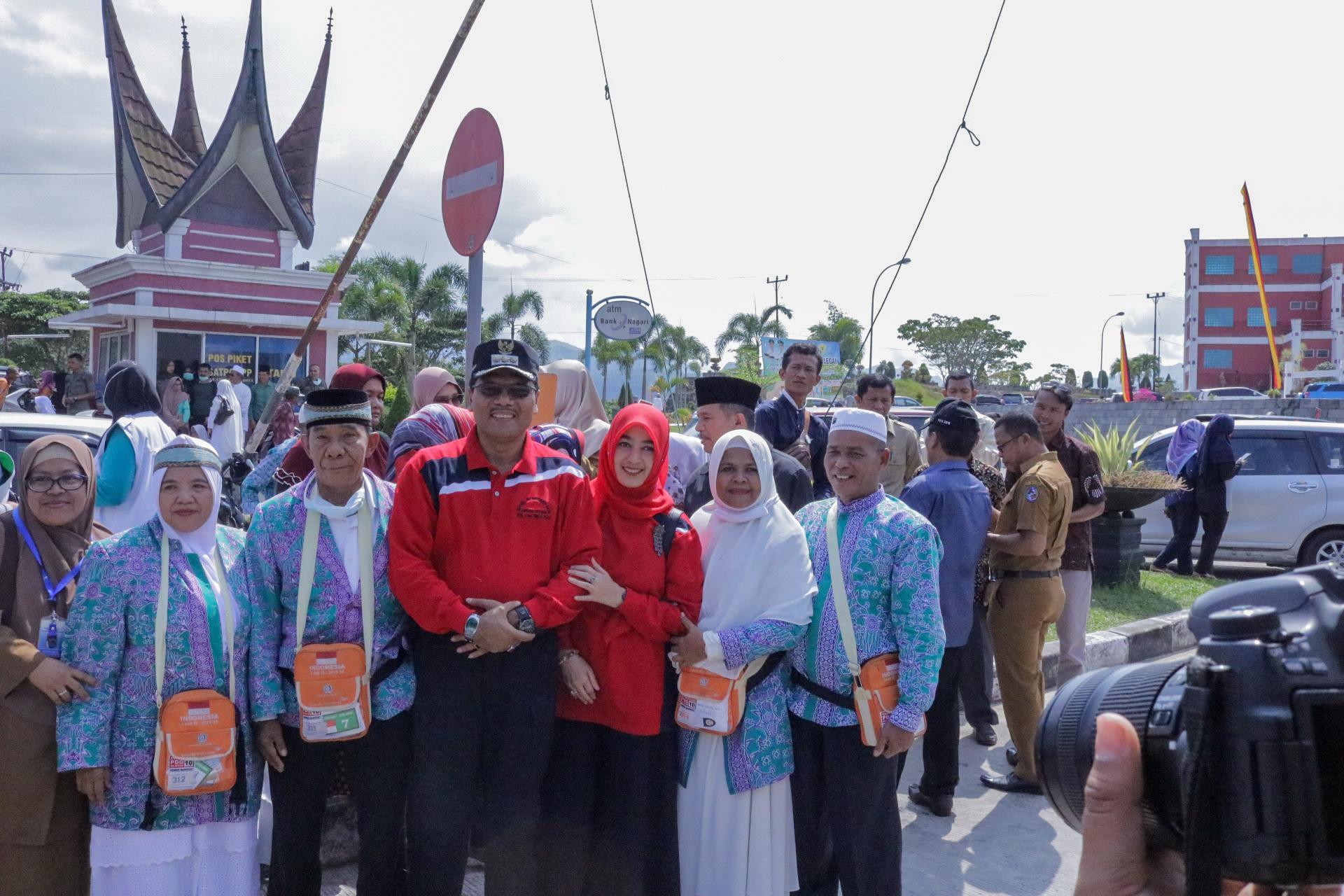Pemkab Lima Puluh Kota Secara Resmi Sambut Kepulangan Jamaah Haji